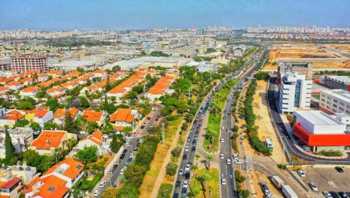 פקקים בשדרות משה דיין בראשון לציון - צילום: ramy tasat